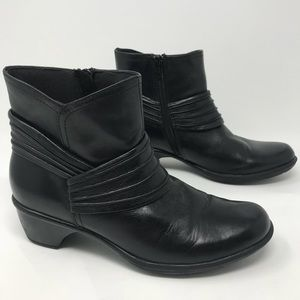Clarks Bendables Black Leather Ankle Boots